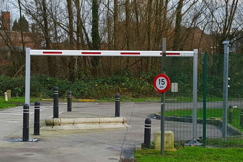 AxeSlim Height Restriction Barrier