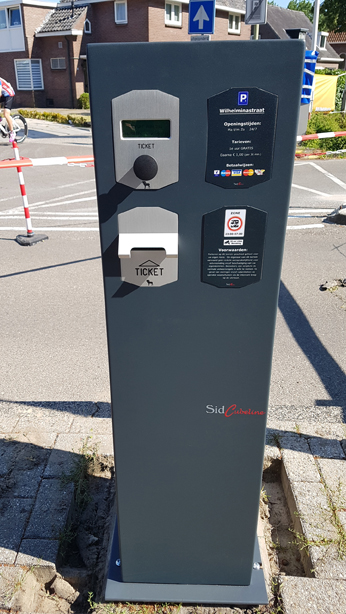 LR-Parking-Emmen-08