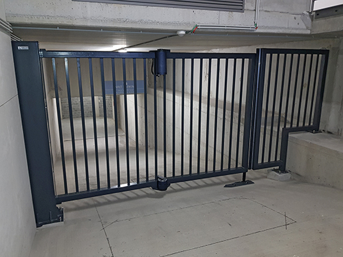 Bi-folding Gates SpeedSnake